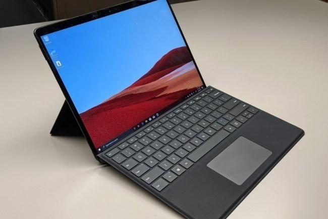 IDG boucle son test de la tablette Surface Pro X en s
