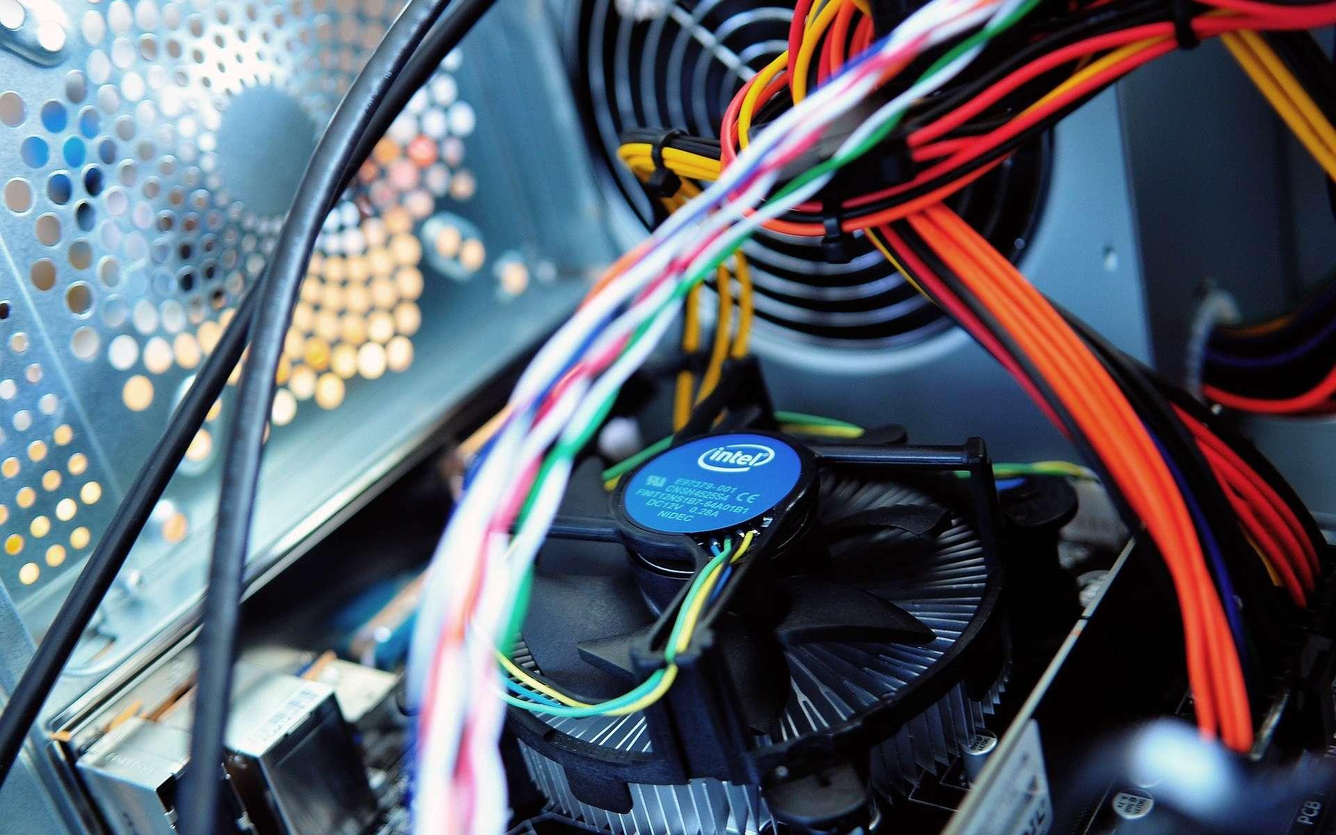 En modulant la vitesse du ventilateur d'un PC, il est possible de transmettre des données à un smartphone © fannycrave1 / Pixabay