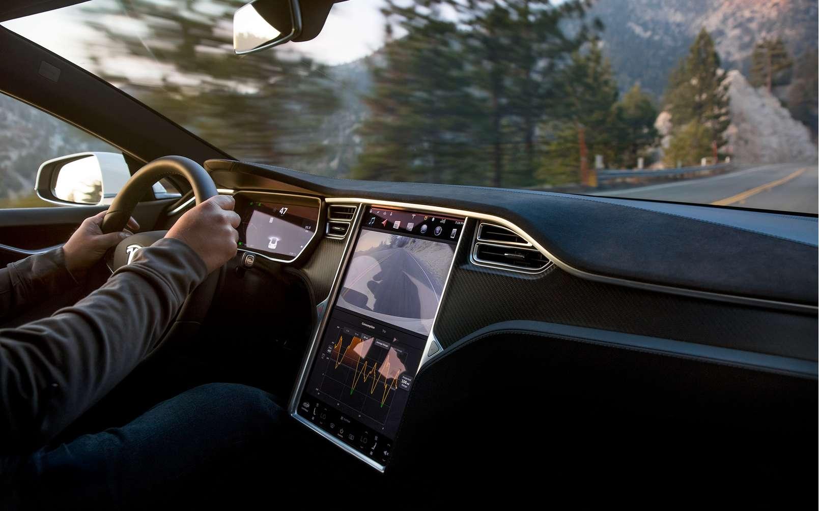 La Tesla Model S en version Performance ou Grande Autonomie équipée du groupe motopropulseur Raven devrait prochainement hériter d'un nouveau mode de départ arrêté ultra performant. © Tesla