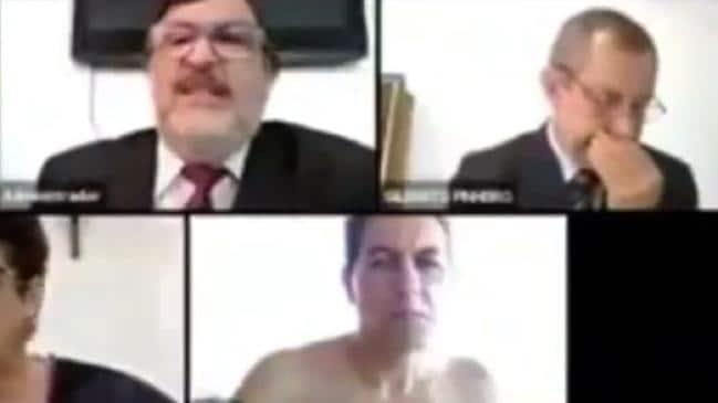Juez brasileño atrapado en topless durante la reunión de Zoom