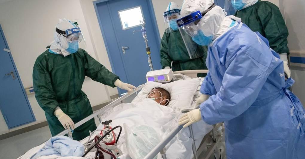 ¿Por qué el coronavirus está matando a más hombres que mujeres?