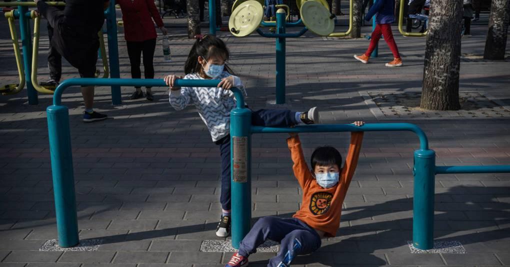 ¿Por qué el coronavirus parece afectar menos a los niños?