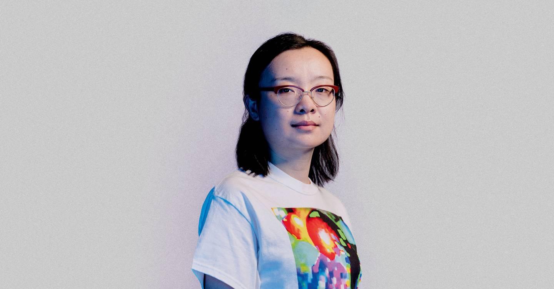 Esta camiseta fea te hace invisible para la tecnología de reconocimiento facial