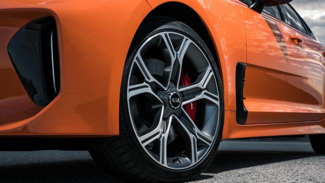Revisión de Kia Stinger Carbon Edition: precio, rendimiento, características, seguridad