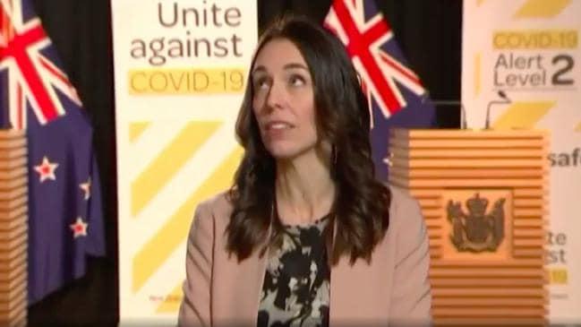 Entrevista de Jacinda Ardern interrumpida por terremoto