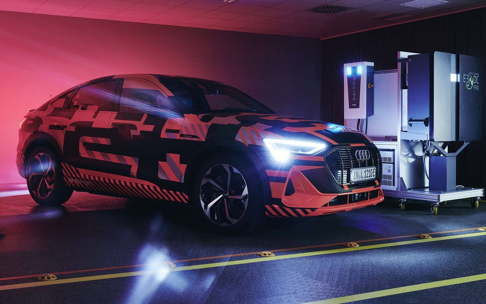 Audi está probando la carga bidireccional para sus autos eléctricos