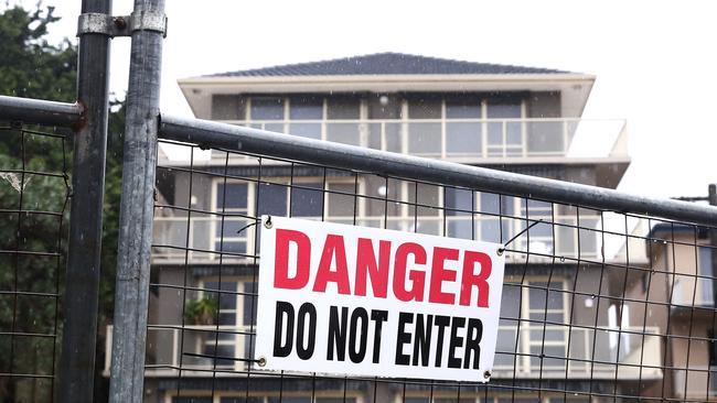 Decenas de hogares en riesgo en Wamberal Beach debido a la erosión