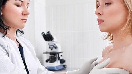Molécula responsable de cánceres de mama agresivos