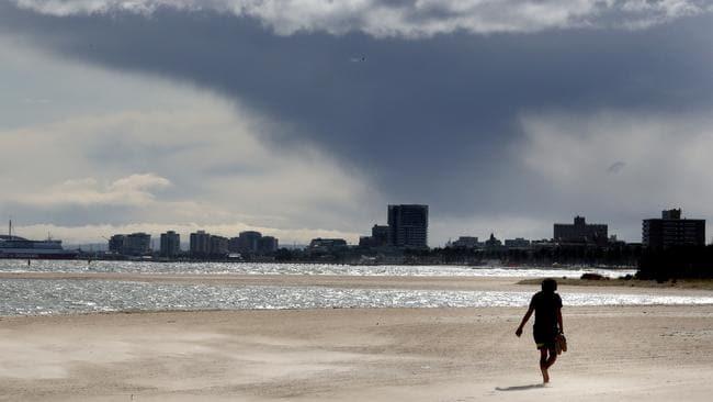 Victoria se prepara para más vientos salvajes días después de la tormenta