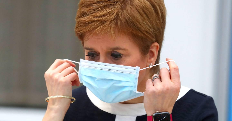 Inglaterra podría eliminar el coronavirus si quisiera. Pero no ganará
