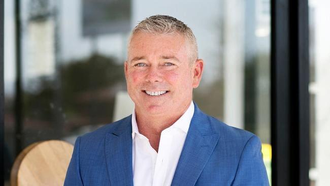 El agente inmobiliario de Gold Coast, Nick Slater, mató al surf