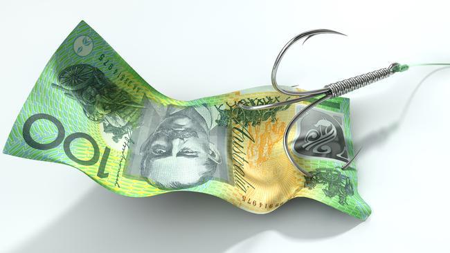 Hombre del Outback, de 37 años, pierde 12.000 dólares por estafadores