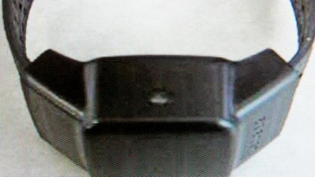 Se le ordenó al violador de la cuarentena que usara una abrazadera en el tobillo