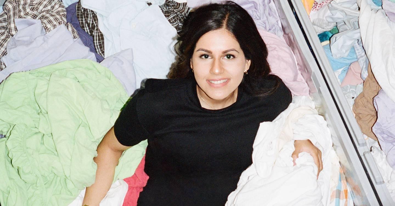 ¿Por qué no derretir tu ropa y convertirla en plástico?