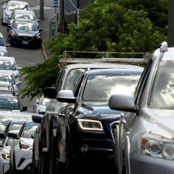 Caos de tráfico mientras la gente intenta llegar a casa