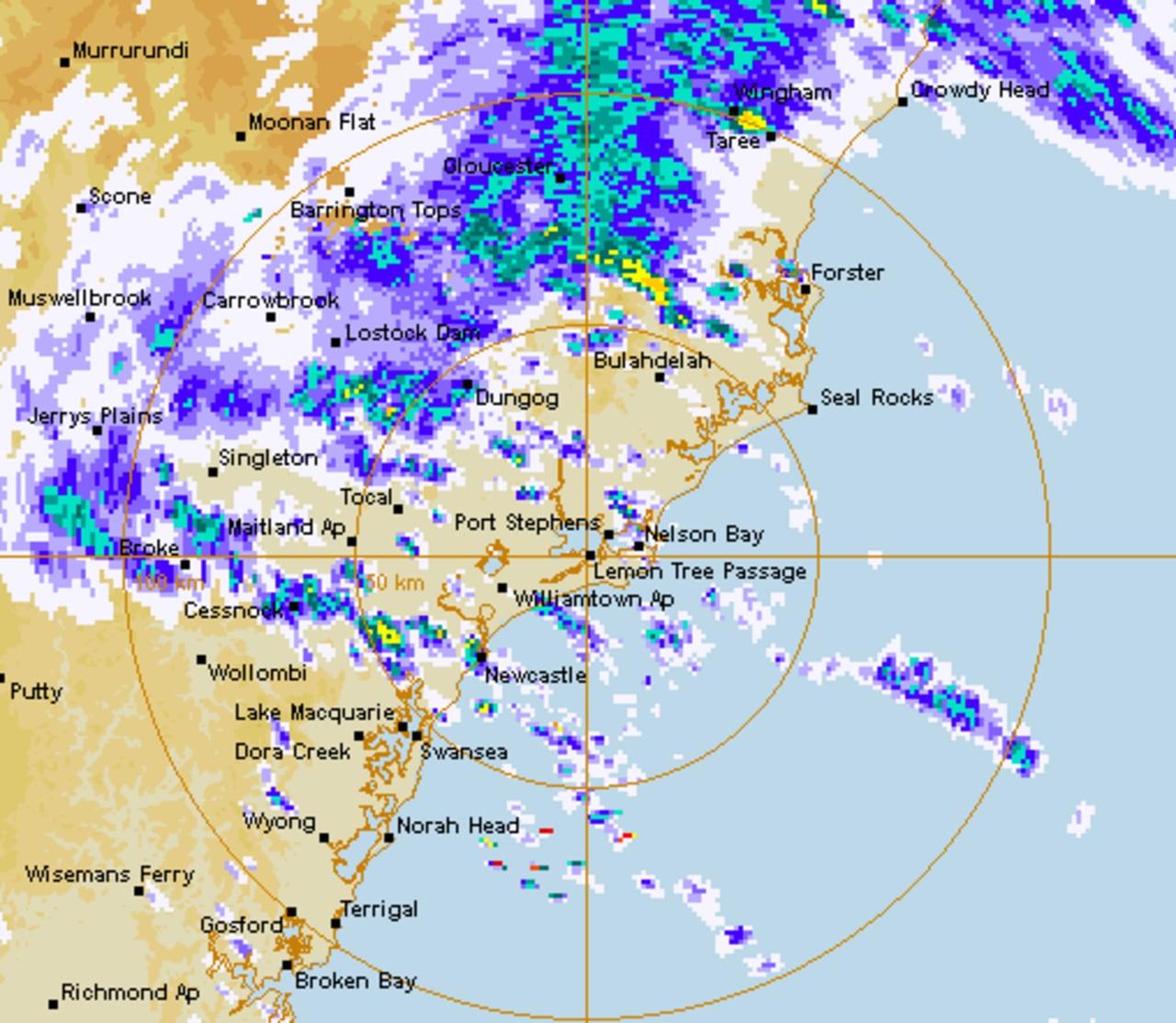 Sydney, los residentes de la costa este advirtieron que se preparen para condiciones 'potencialmente mortales' a medida que la lluvia y las inundaciones afectan al estado