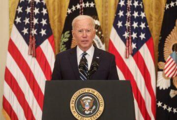 Biden critica la ley de votación de Georgia como un `` ataque flagrante '' a la constitución de EE. UU.