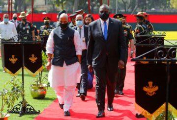 El secretario de Defensa de Estados Unidos insta a India a evitar comprar equipos rusos