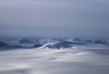 Fósiles en un núcleo de hielo olvidado reescriben el pasado helado de Groenlandia
