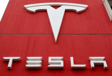 Las cámaras en el automóvil de Tesla plantean preocupaciones sobre la privacidad: Consumer Reports