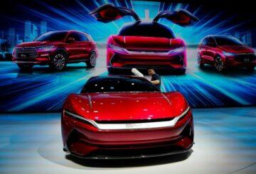 Las ganancias del fabricante chino de vehículos eléctricos BYD, respaldado por Buffett, aumentaron un 162% en 2020
