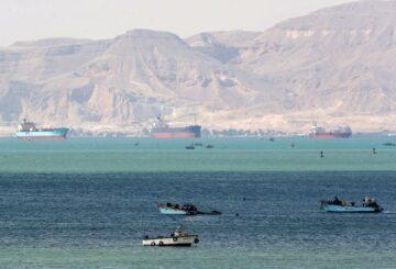 Los envíos atrasados del caos de Suez podrían tardar meses en despejarse