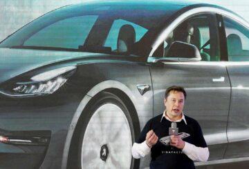 Musk dice 'ahora puede comprar un Tesla con bitcoin'