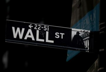 S&P 500 termina un cabello más abajo;  Las preocupaciones sobre el incumplimiento de los fondos de cobertura afectan a los bancos