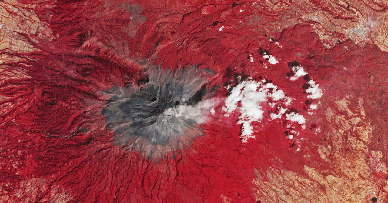 Satellites Can Help Detect When a Volcano's About to Blow