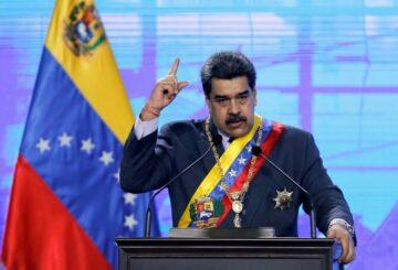 Venezuela acusa a Facebook de 'totalitarismo digital' por suspender a Maduro