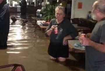 Ciudad 'se hunde' cuando la lluvia azota la costa de Nueva Gales del Sur