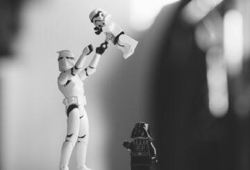Los juguetes abandonados de Star Wars hacen fortuna a una pareja británica