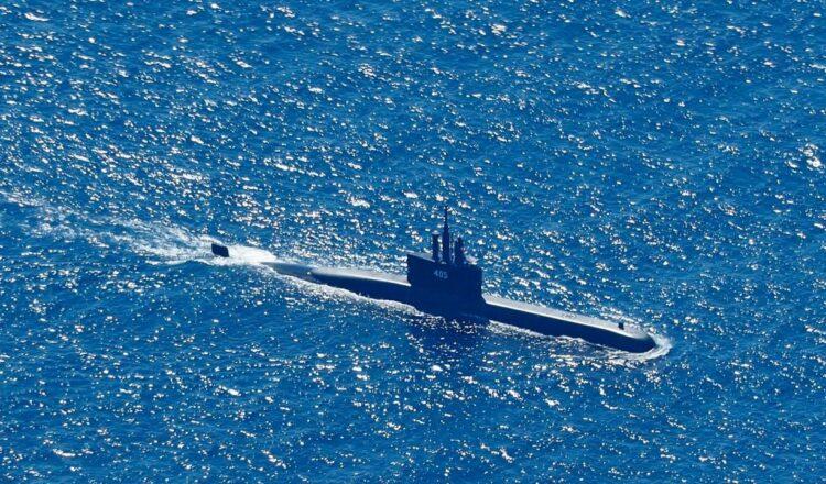 La búsqueda del submarino indonesio desaparecido entra en una fase sombría por temor a que se haya agotado el suministro de oxígeno