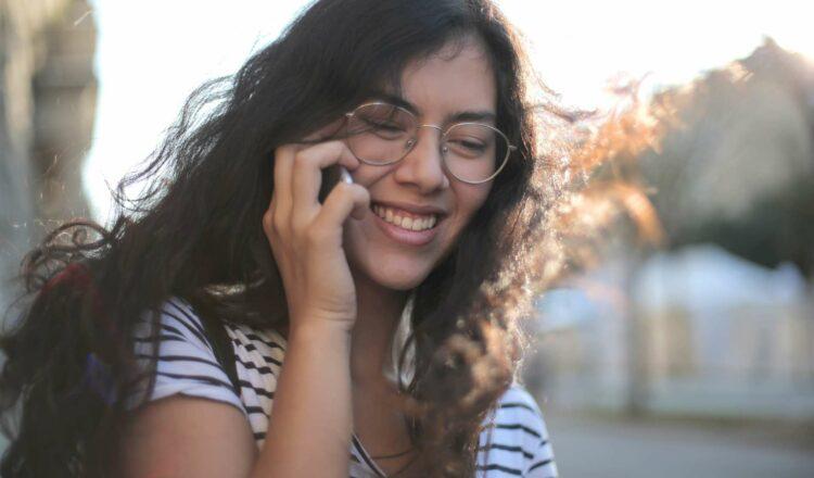 Prixtel réduit les prix de ses forfaits mobiles flexibles © Andrea Piacquadio, Pexels