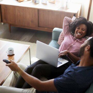 SFR casse les prix de ses box internet Fibre et ADSL © Monkey Business, Adobe Stock