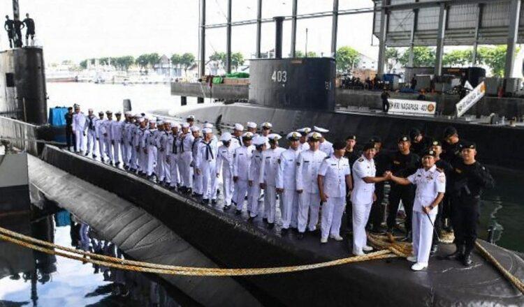 Crecientes temores por la desaparición del submarino indonesio KRI Nanggala 402 a medida que se agota el suministro de oxígeno