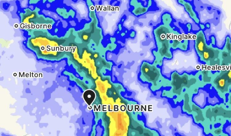 Lluvias torrenciales, nieve y temperaturas árticas azotan Melbourne, Qld