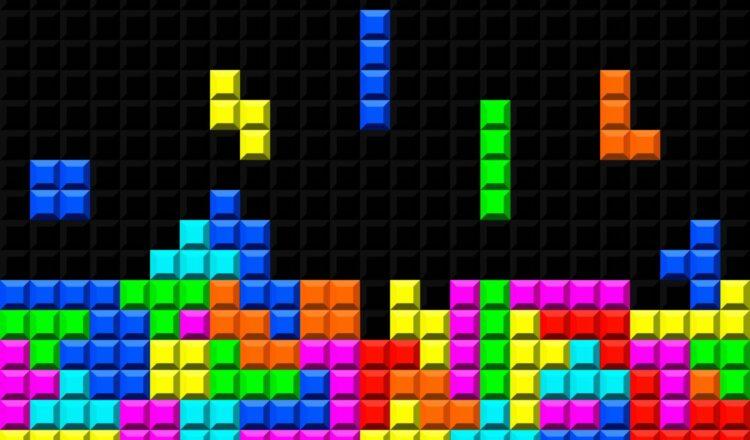 Pour remporter des tournois de Tetris sur la Nintendo NES, des joueurs font rouler leurs doigts sur l'arrière de la manette. © Alex, Adobe Stock