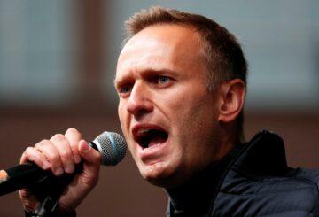 Aliados del crítico del Kremlin encarcelado Navalny dicen que perdió 8 kg debido a la falta de sueño