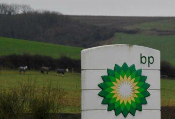 BP alcanza el objetivo de deuda neta de 35.000 millones de dólares mucho antes de lo previsto