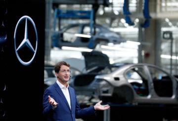 Ola Kaellenius, chairman of Daimler AG attends the presentation of the new Mercedes-Benz S-Class at the Daimler production plant in Sindelfingen near Stuttgart, Germany, September 2, 2020. REUTERS/Ralph Orlowski
