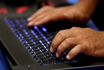 Exclusiva: Freshworks, rival de Salesforce, contrata bancos para OPI: fuentes