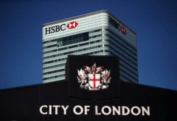 Exclusive-HSBC traslada a más de 1.200 empleados del Reino Unido al trabajo a domicilio permanente