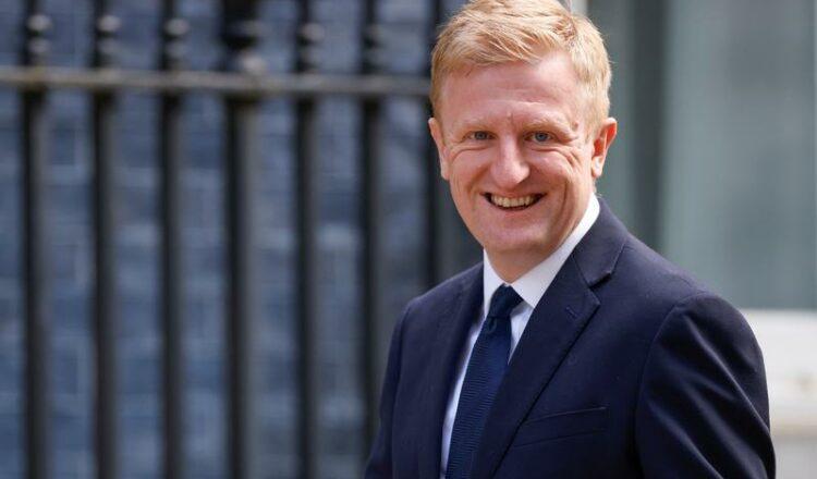 Gran Bretaña se enfrenta a un llamado para un objetivo de kit de telecomunicaciones para impulsar a los proveedores