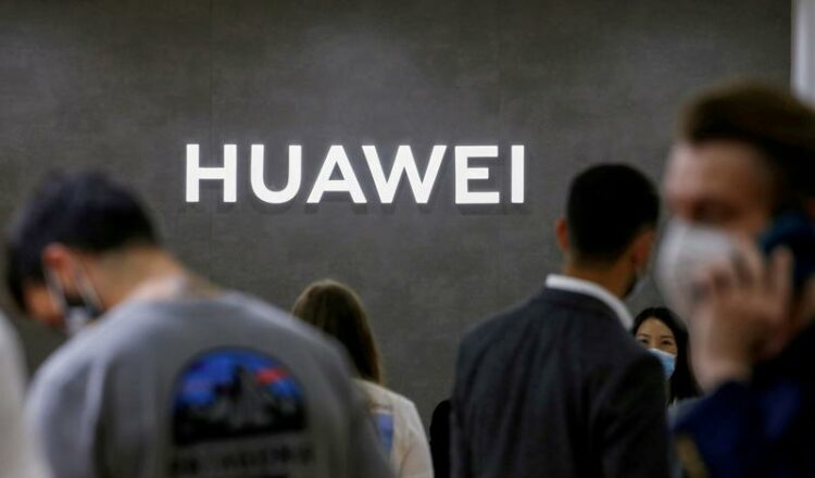 Huawei de China informa caída de ingresos trimestrales a medida que golpean los ingresos de los teléfonos inteligentes