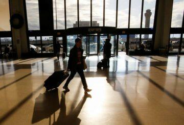 Los CDC de EE. UU. Dicen que no están fomentando los viajes, a pesar de las nuevas pautas