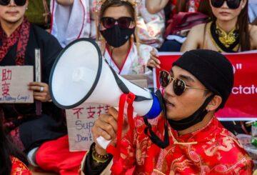 Los artistas estrella de Myanmar sienten la ira de los militares al manifestar su apoyo a los manifestantes