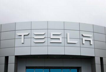 Tesla presenta una petición contra la orden de la junta laboral de EE. UU.