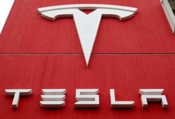 Tesla y un ex ingeniero resuelven una demanda por el código fuente del piloto automático
