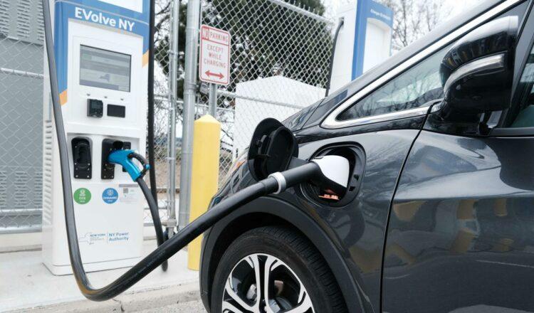 Impuesto victoriano sobre automóviles eléctricos bajo fuego